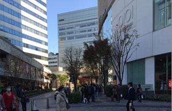 中央口正面の丸井・東京交通会館