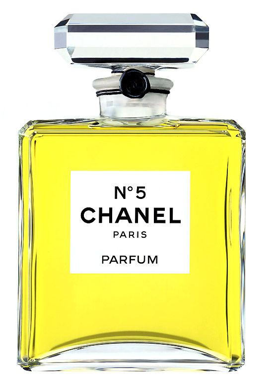 「1921年に香水「シャネル5番」を発表する」のイメージ画像