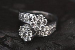 ring-2405152__340