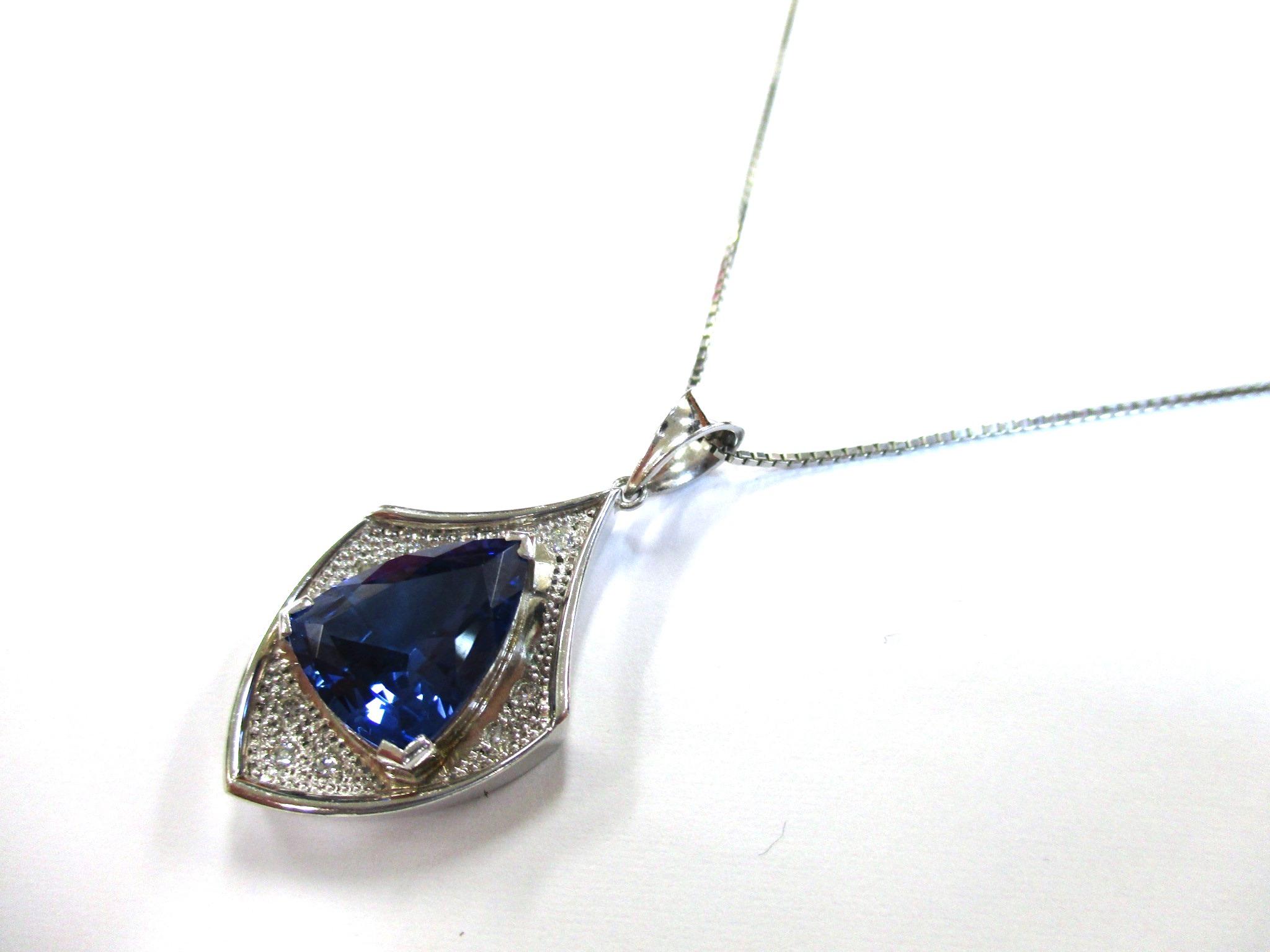 【主石】タンザナイト 【脇石】ダイヤモンド 【形状】ネッ…の画像