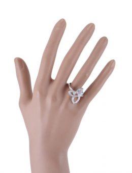 ハリー・ウィンストンの指輪について