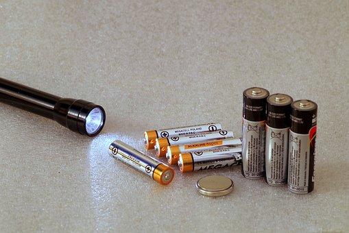 「 Q.時計の電池がとまったけど自分で交換できるの?」のイメージ画像