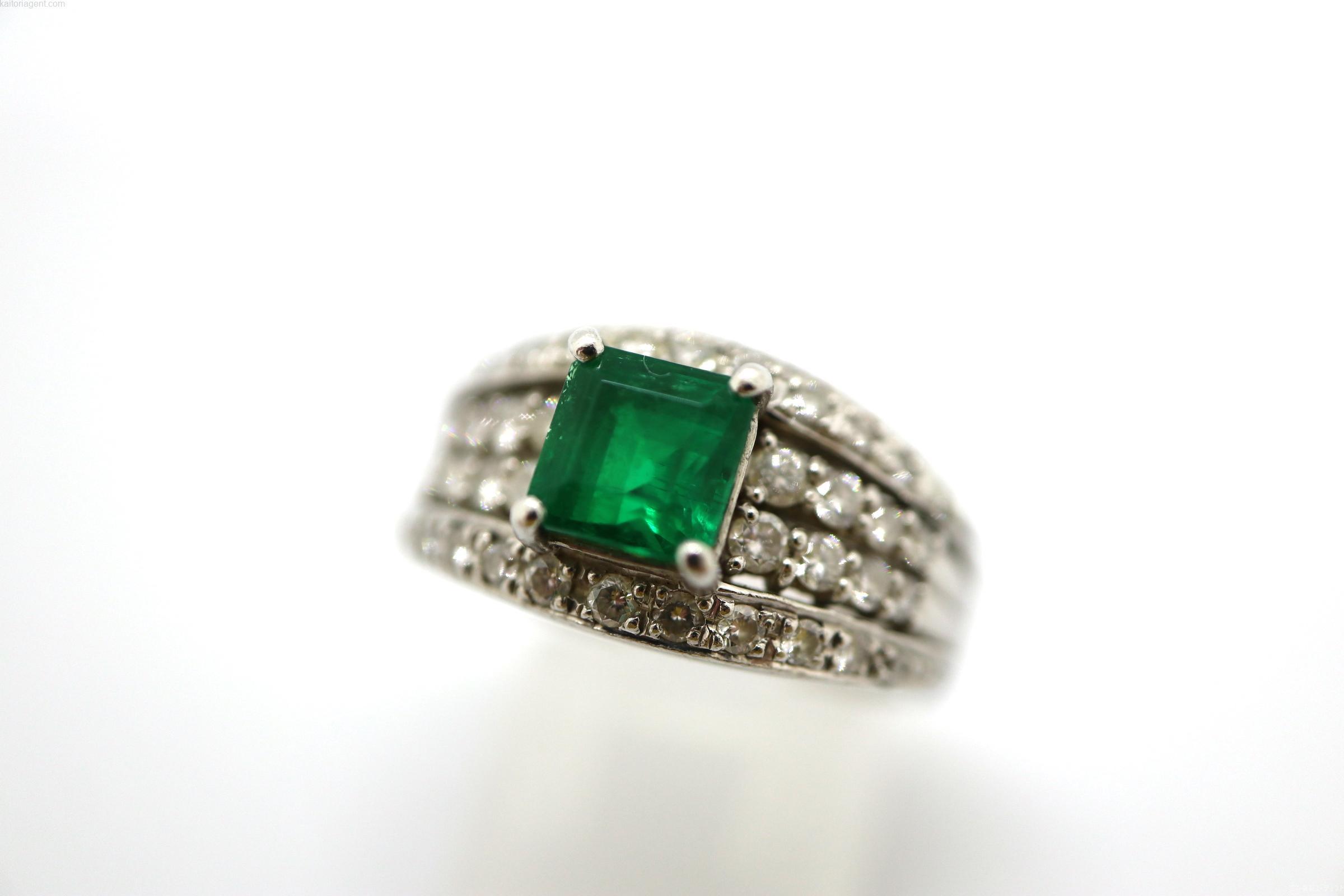 【主石】エメラルド 1.27ct  【脇石】ダイヤモンド…の画像