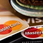 「カードの入れすぎに注意」のイメージ画像