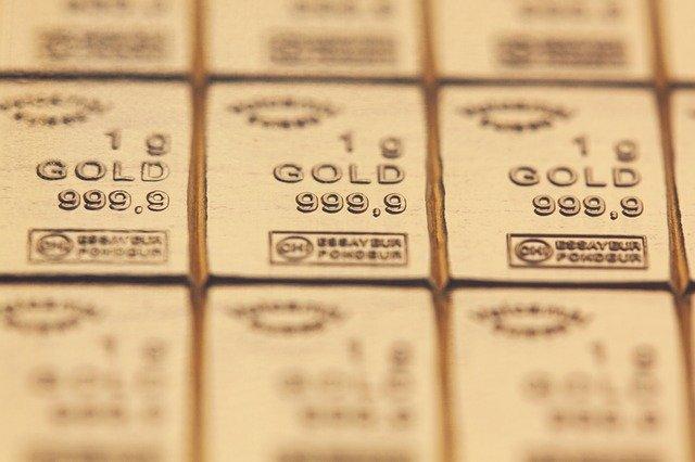 「18金のK18や24金のK24など、刻印を確認する」のイメージ画像