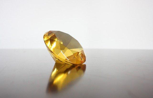「ブラウンダイヤモンドとは?石言葉もご紹介」のイメージ画像