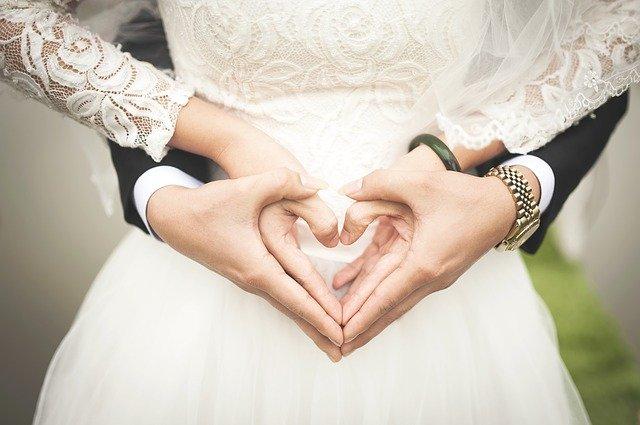 「結婚60年目の「ダイヤモンド婚式」」のイメージ画像