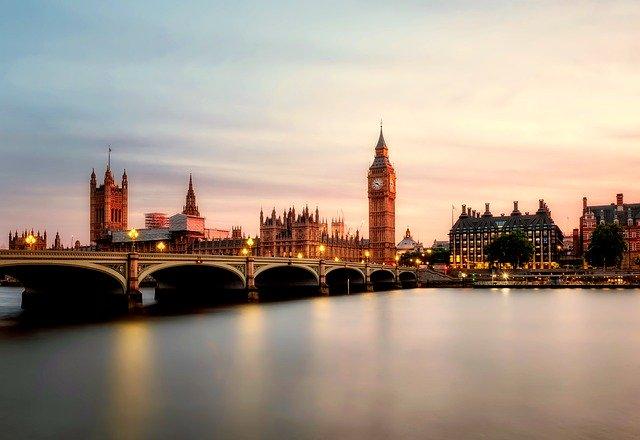 「ロンドンに進出」のイメージ画像