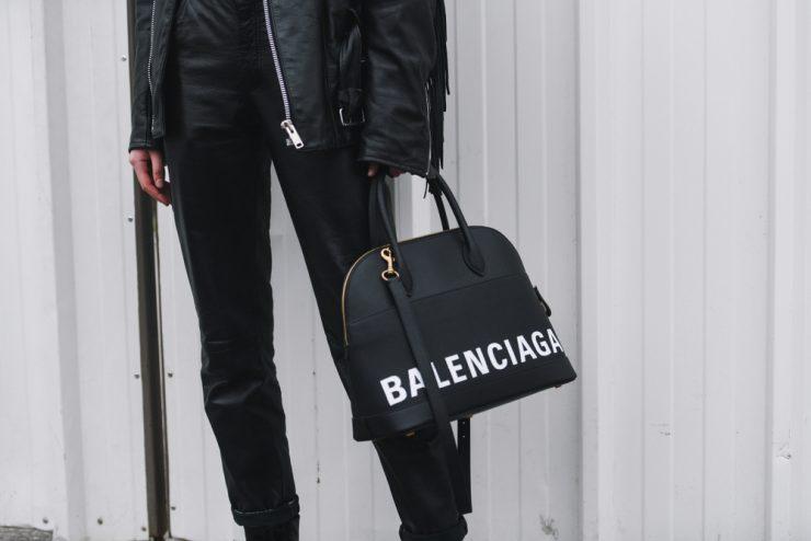 Paris,,France,-,March,03,,2019:,Street,Style,Outfit,,Balenciaga