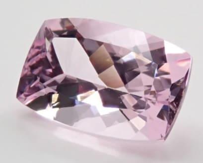 「紫色の宝石.4:ヴァイオレットモルガナイト」のイメージ画像