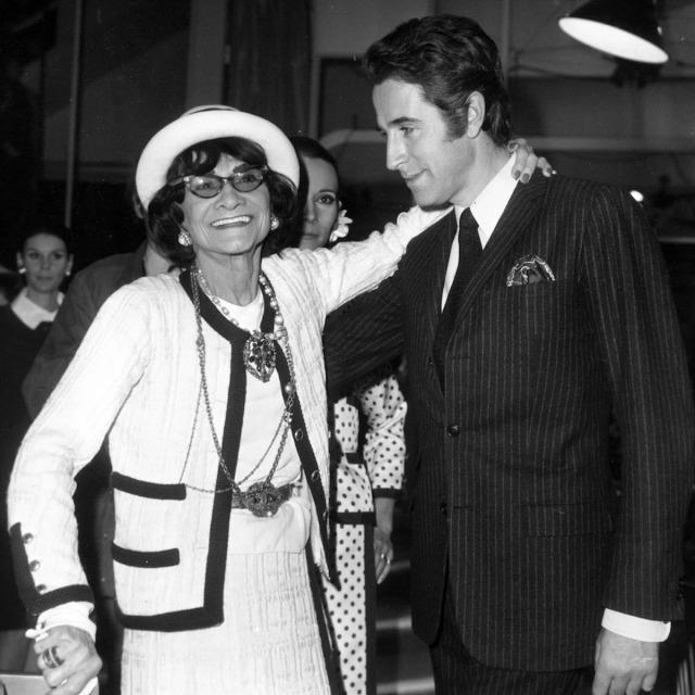 「1956年 ファッション界への復帰とシャネルスーツ正式発表」のイメージ画像