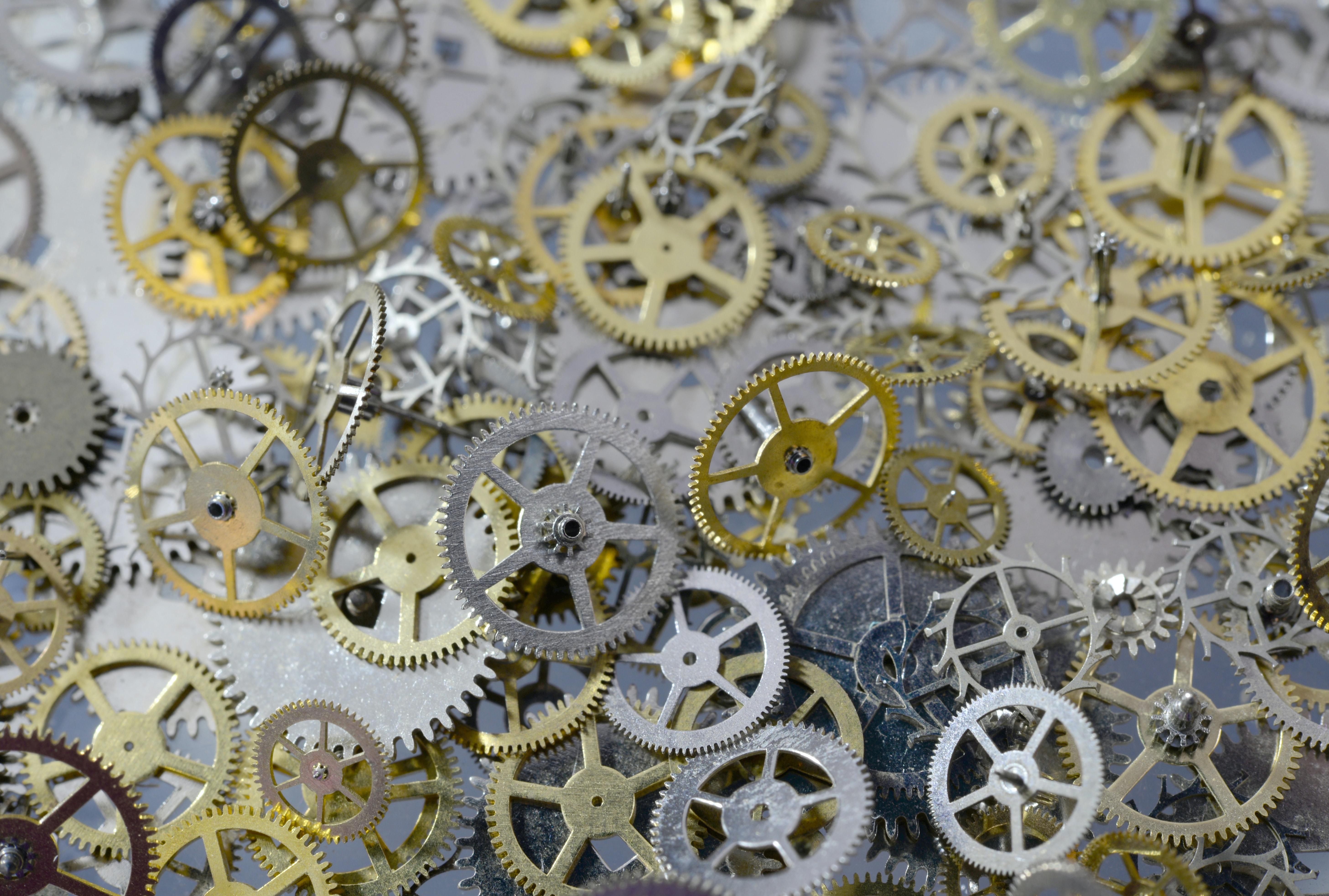 「純正でない部品が使われている時計」のイメージ画像