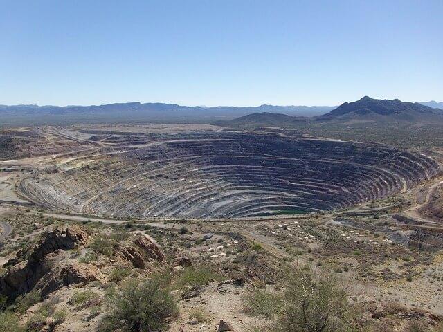 「パイプ鉱床」のイメージ画像