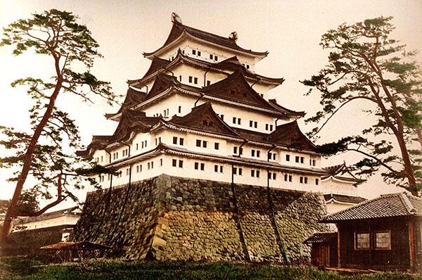 「日本の歴史と金」のイメージ画像