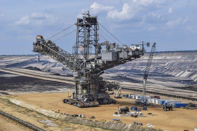 「南アフリカのプラチナ採掘」のイメージ画像