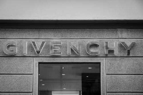 「ジバンシィ(GIVENCHY)とは」のイメージ画像
