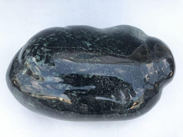 「黒い色の宝石.3「黒翡翠 」」のイメージ画像