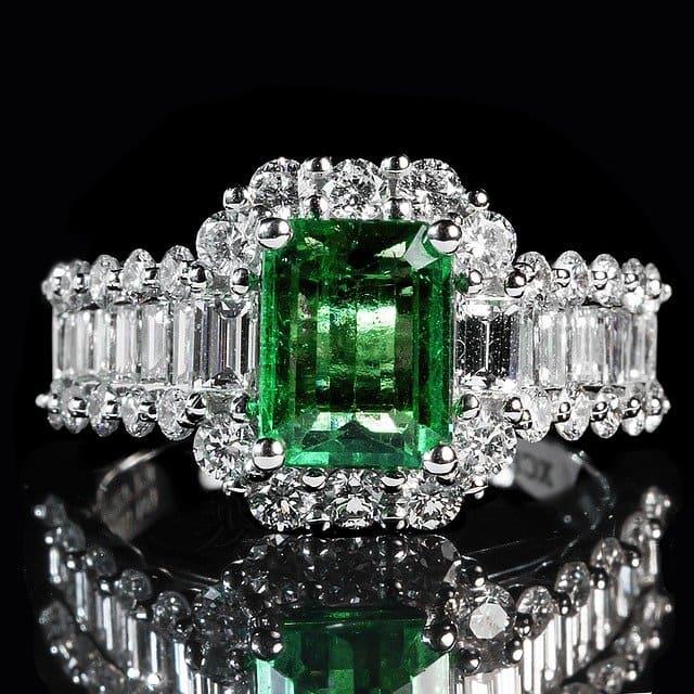 「緑色の宝石.1「エメラルド」」のイメージ画像