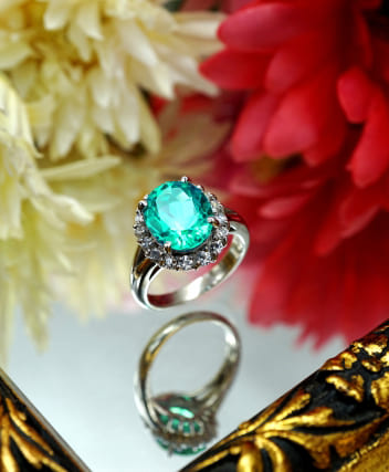 「緑色の宝石.4「グリーン・トルマリン」」のイメージ画像