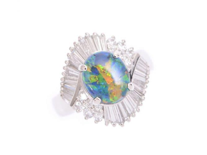 「虹色の宝石|オパール【蛋白石(たんぱくせき)】」のイメージ画像