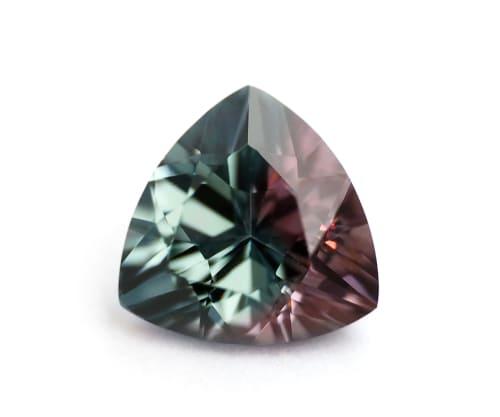 「赤い色の宝石.6「ベキリーブルー・ガーネット」」のイメージ画像