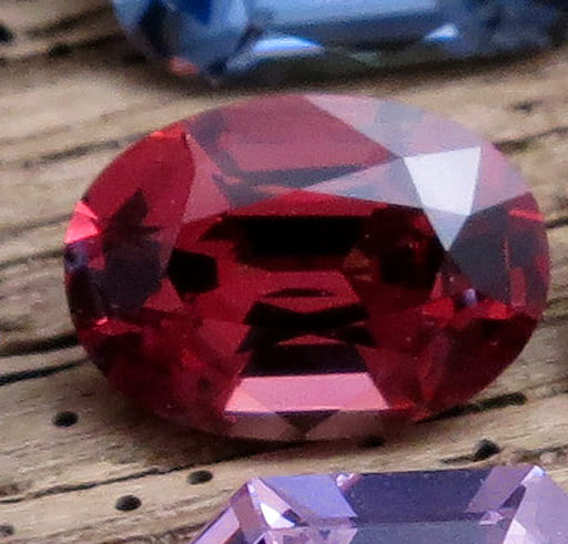 「赤い色の宝石.8「レッド・スピネル」」のイメージ画像