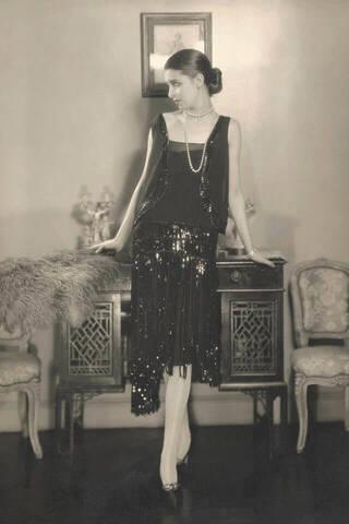 「1926年 リトル・ブラック・ドレスの誕生」のイメージ画像