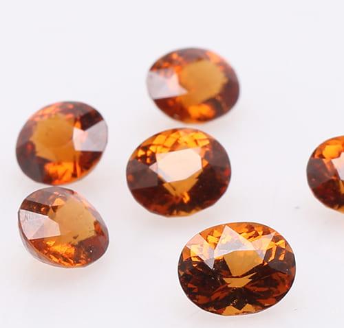 「オレンジ色の宝石.2「オレンジ・ヘソナイト・ガーネット」」のイメージ画像