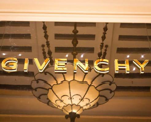 「ジバンシィ - GIVENCHY」のイメージ画像