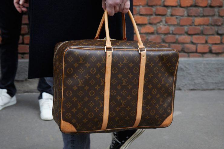 Milan,-,January,15:,Man,With,Louis,Vuitton,Brown,Bag