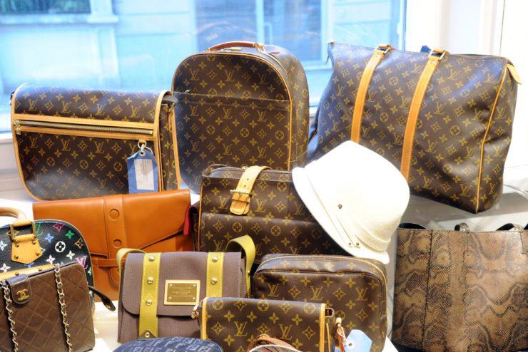 Milan,,,Italy,January,8,2018,-,Louis,Vuitton,Leather,Bag