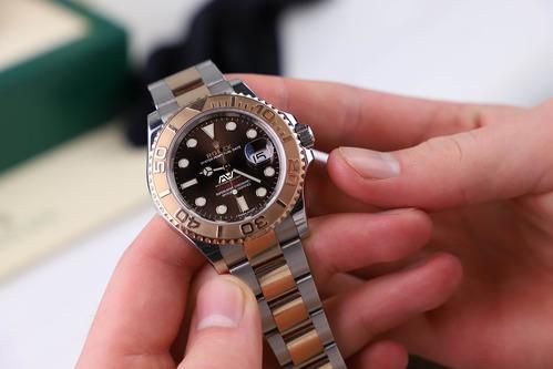 「手巻き時計のメリットとは」のイメージ画像