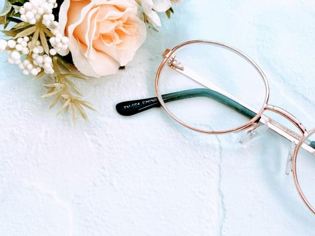 金縁眼鏡 (1)