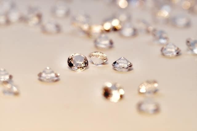 「小さいダイヤモンドでも高く売れる!?メレダイヤ買取のお話」のサムネイル画像