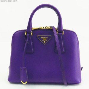 プラダ サフィアーノ 紫