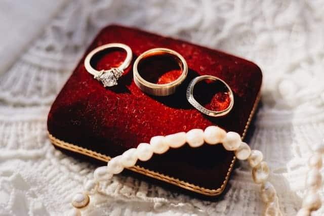「ブランド指輪の買取相場 高価買取される結婚指輪・婚約指輪も解説」のサムネイル画像